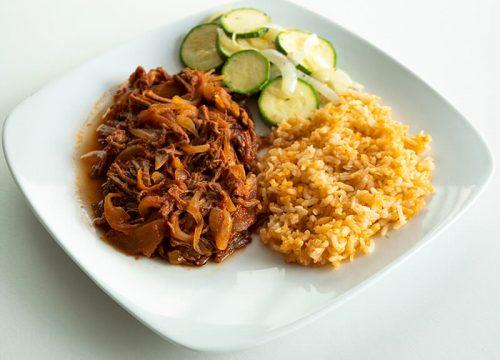 45. Tinga de res con arroz y calabacitas, Obento Casero